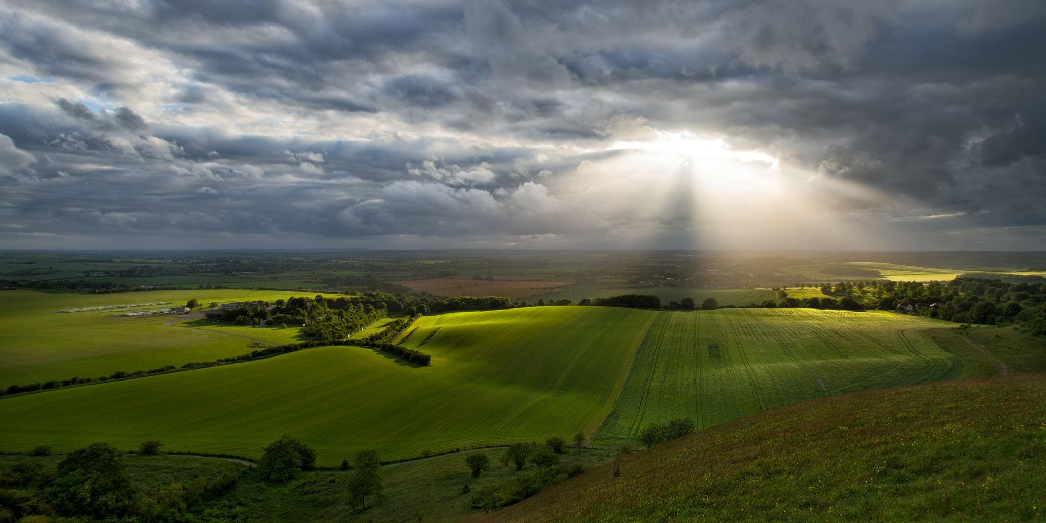 Par debesīm un zemi